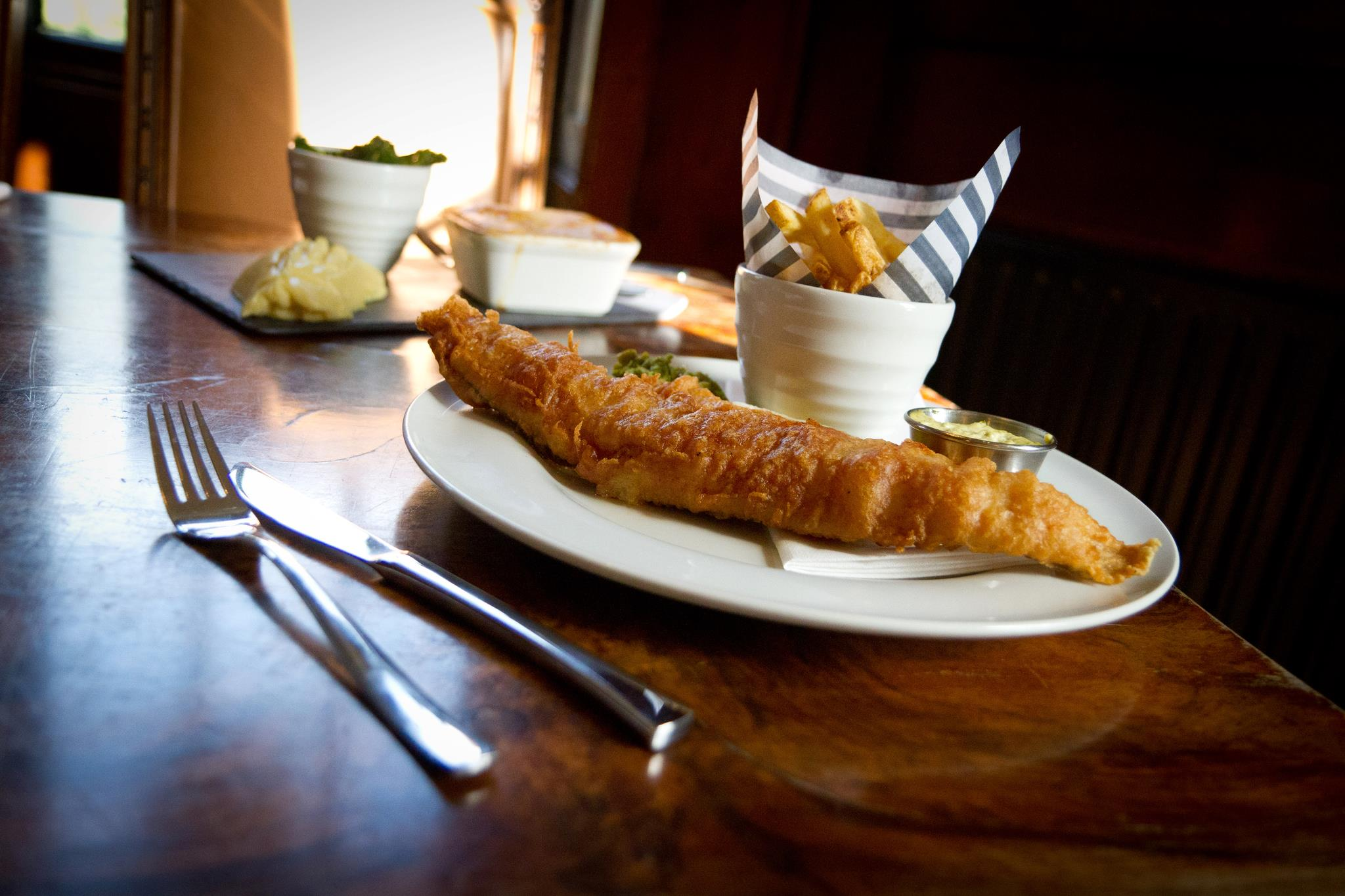 fish and chips em pub de Londres