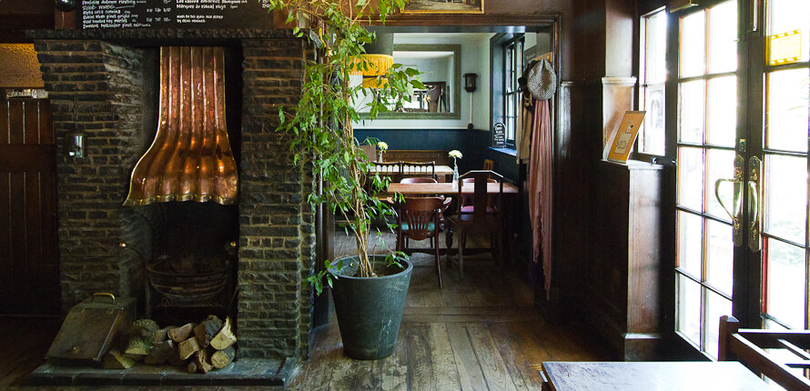 gastropub em Londres - The Spaniards Inn