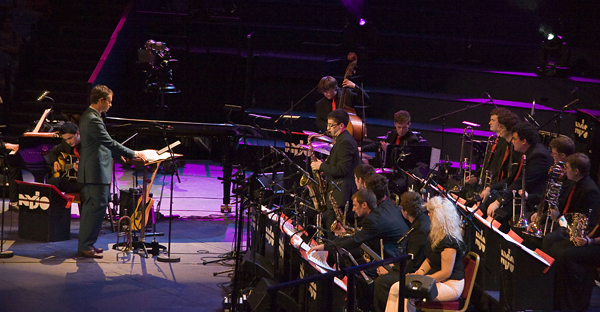 A National Youth Jazz Orchestra toca com Soweto Kinch & Mark Nightingale sábado às 19h30!